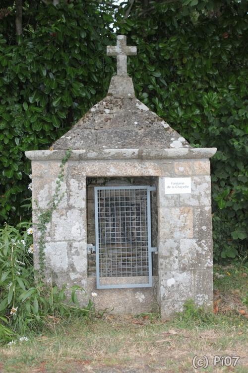 Fontaine Notre Dame de la Salette, 56 Camoël.